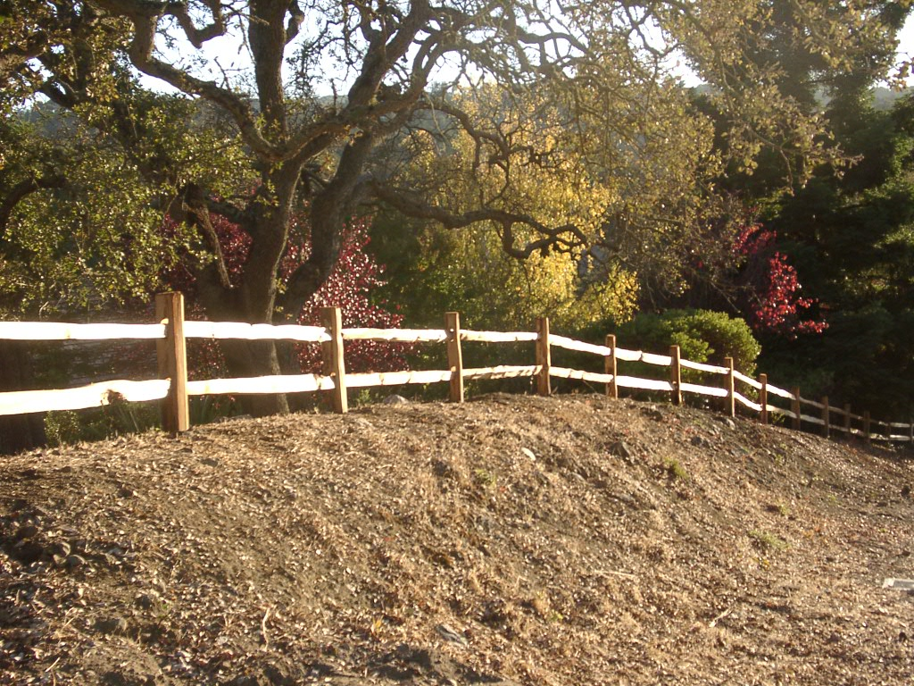 Split rail peninsula fence